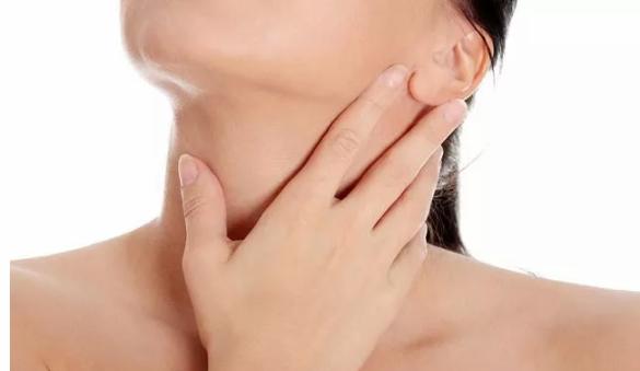 咽喉癌图片:咽喉有异物感,咳不出来又咽不下去?